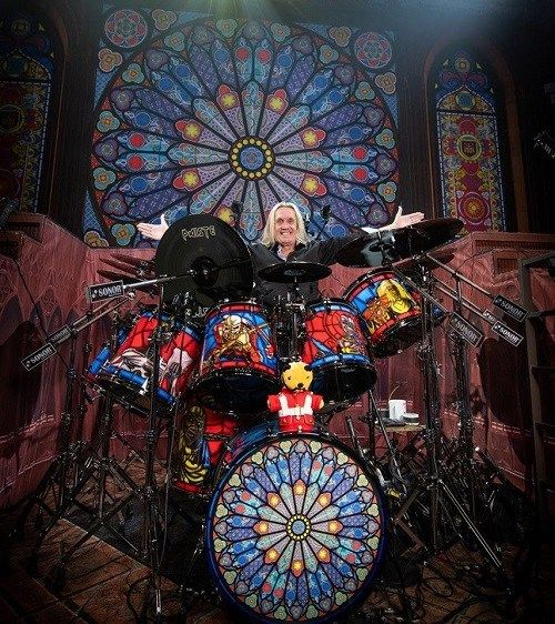 Nicko Mcbrain Iron Maiden Legacy Of The Beast Tour 2018 Sonor Sq2 Drums Iron Maiden Posters Iron Maiden Eddie Iron Maiden