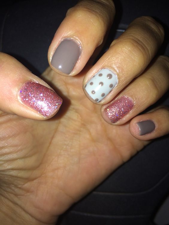 Manicure shellac pastel