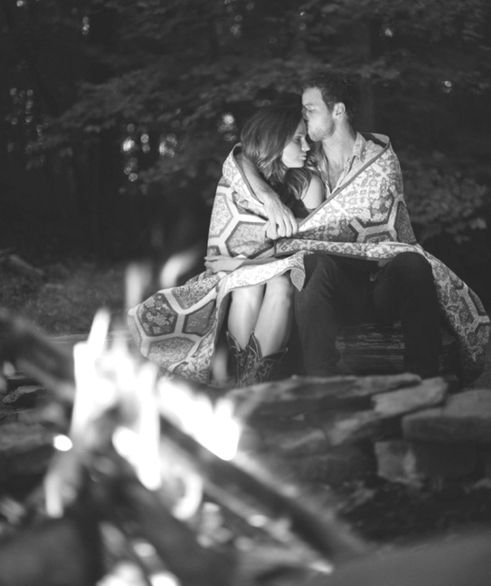I want you to wrap your arms around me by the fire and hold me tight, babe❤️: