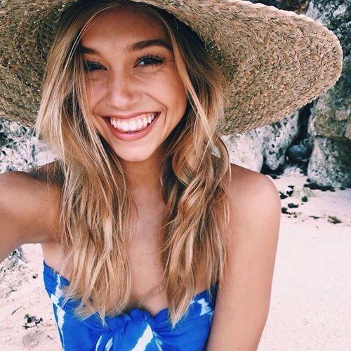 girl, alexis ren, and beach Bild