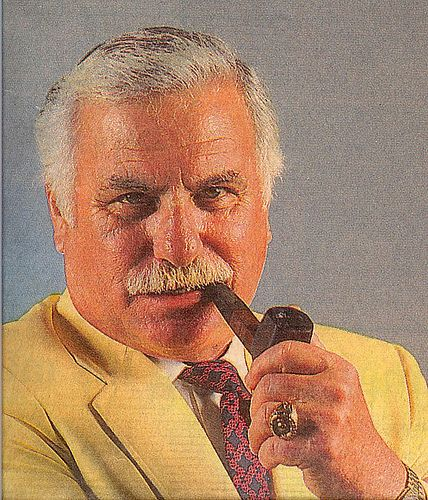 HOWARD SCHNELLENBERGER MAKES AN ENTRANCE - Every Day Should Be ...