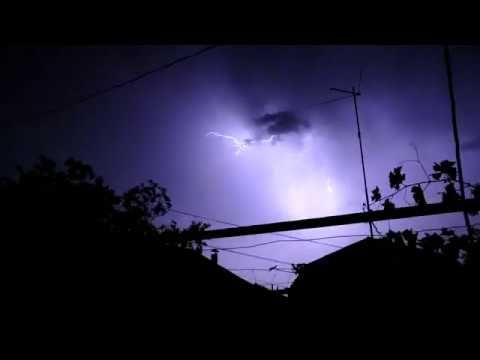 Heavy Thunderstorms Lightning At Night Rain And Thunder Sounds For Sleep Youtube Rain And Thunder Sounds Rain And Thunderstorms Thunderstorm Sounds