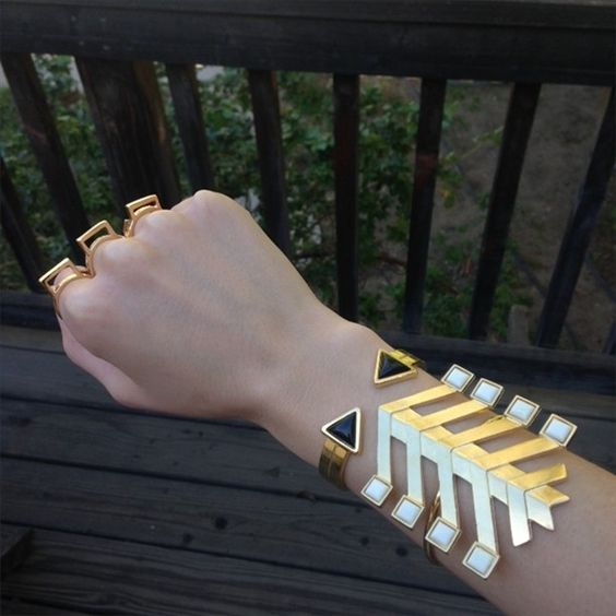 YES. The Bandit Square Tie Cuff, now available in Gold! #the2bandits