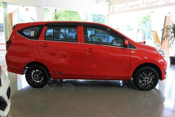 Gambar Mobil Sigra Type X Deluxe Daihatsu Sigra X Deluxe Menjadi