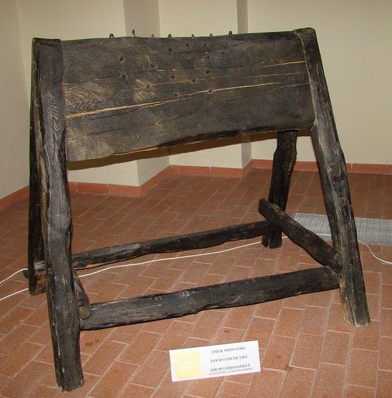 Instrumentos  de tortura reales A41f4a8471d65d7b23f8a7dc950adb21