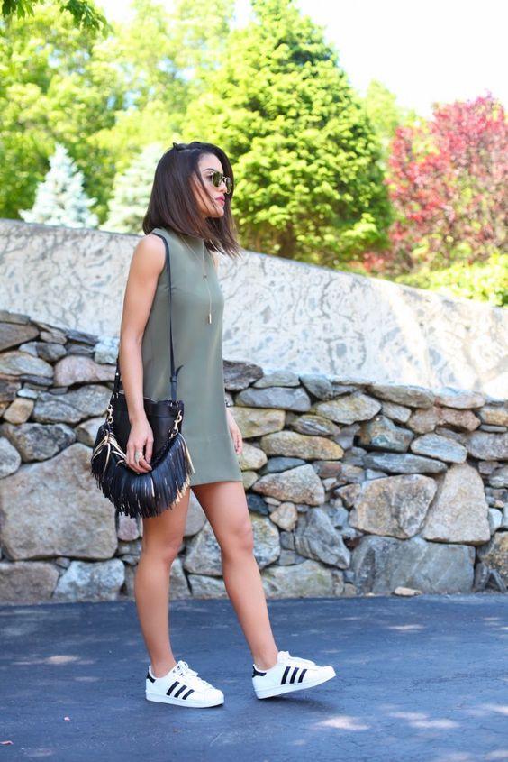 tênis com vestido curto