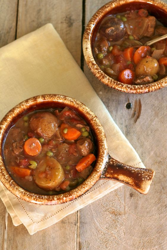 Slow Cooker Beef Stew-- Great for fall.....