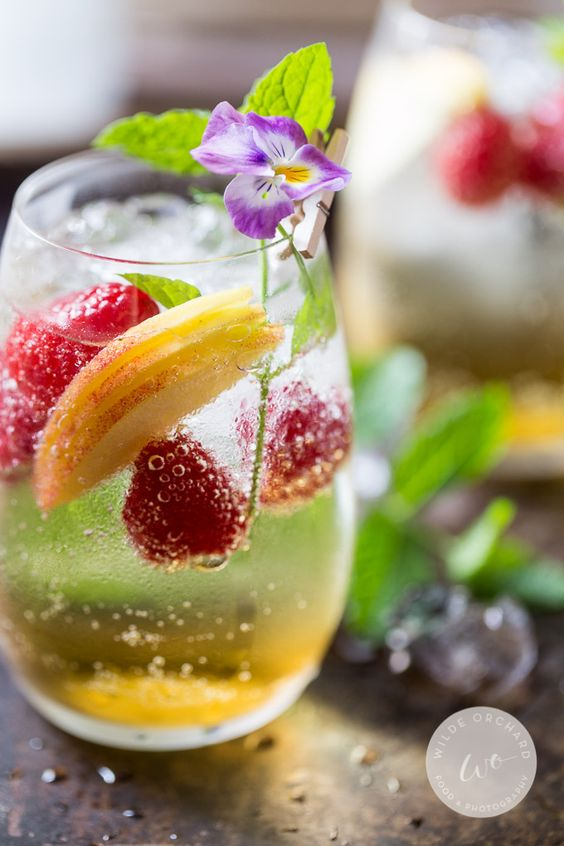 Just Peachy Champagne Spritzer.   www.wildeorchard.co.uk   Perfect patio summer drink. In about 3 minutes. #how I summer.