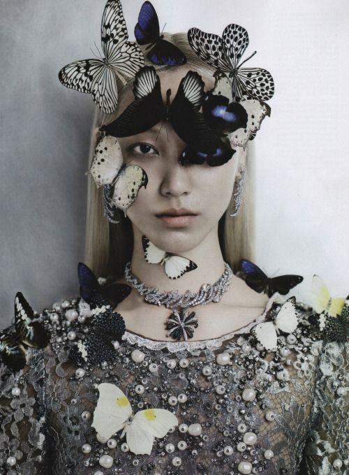 oliviateh-glamkitsch:  Soo Joo by Kevin Mackintosh for Vogue Italia Sept 2012 . Visitoliviateh-glamkitsch:) .