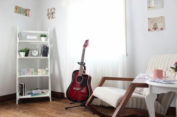 Delícia de cantinho! http://www.minhacasaminhacara.com.br/um-cantinho-para-viajar/
