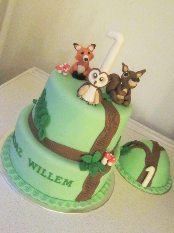 Bos-uil-vos-eekhoorn taart