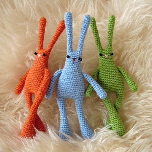 Cute bunnies for Easter!: Crochet Rabbit, Crochet Toys, Free Pattern, Amigurumi Bunnies, Conejos Amigurumi, Crochet Amigurumi, Crochet Patterns, Amigurumi Patterns