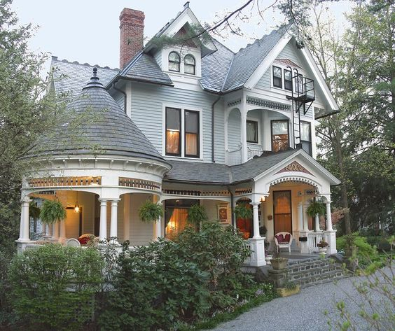Victorian Carriage House: 1899 Wright Inn And Carriage House In Asheville North