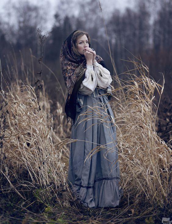 Russian style.  Fall. Traditional. Dress. Scarf. Русский стиль  Платок очень поле   Яна Фельдман: