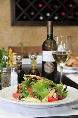 #DatosAlcaravea Los Romanos solían cocinar con especias y hierbas aromáticas, les gustaba la mezcla de dulce y salado. En #AlcaraveaGourmet el contraste de sabores es una de nuestras características. Los invitamos a comprobarlo! Reservaciones / Reservations: (624) 143-3730