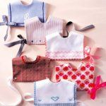 Old-fashioned bibs (free pattern in French)