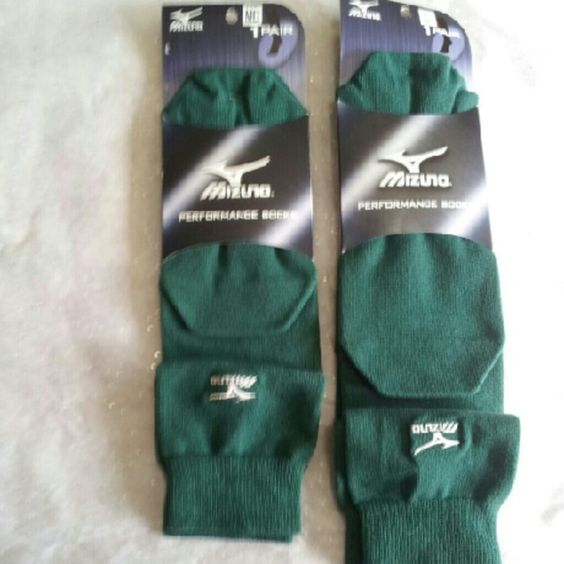 Mizuno Performamce Athletic Socks Green NEW Mizuno Performamce Athletic Socks Green * Confortable welt top construction * Supporter of ankle and arch for a perfect fit Reciprocated heel and toe construction for a perfect fit and support * MzO Micro-fiber polyester wicks moisture from the feet and accelerates evaporation. * SIZES: MEDIUM MENS 4-8.5 WOMENS 7-10.5 LARGE MENS 9-12.5 WOMENS 11-13  RECOMMEND USE: * BASEBALL * SOFTBALL * VOLLEYBALL  ORIGINAL MIZUNO ATLETIC SOCK Mizuno Accessories…