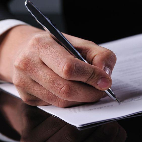 Firmengründung: Auf was gilt es zu achten? Sie starten einen neuen Lebensabschnitt. Mit der Gründung einer eigenen Firma steigt auch das persönliche Risiko. Vergessen Sie also nicht, sich gegenüber Mitarbeitenden, aber auch dem privaten Umfeld rechtzeitig abzusichern. Kontaktieren Sie uns. http://vpz.ch/kontakt-3-finanzberatung-erbschaft-pension-ahv-steuerberatung