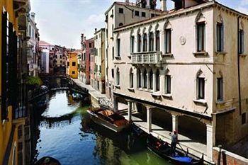 séjour Venise pas cher au Una Hotel Venezia 4* prix promo Voyages Sncf à partir de 458,00 € TTC