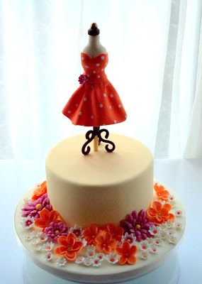dressmakers dummy tutorial this is an adorable cake for any seamstress