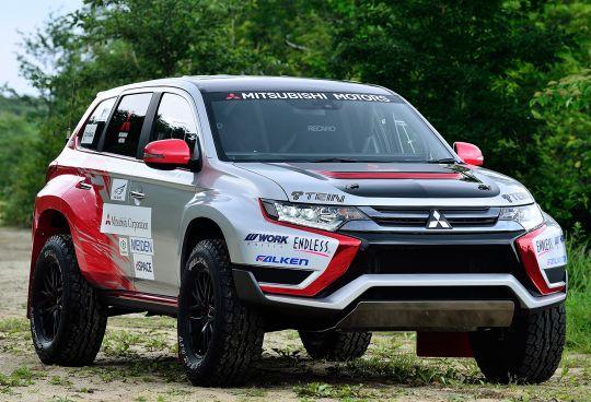Mitsubishi Outlander Phev Baja Race Car 2015 ラリー 四駆 車
