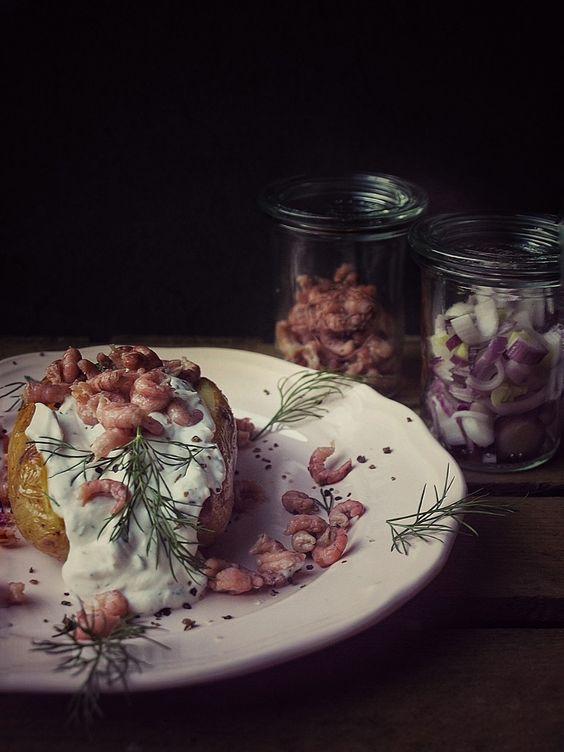 Ofenkartoffel mit Krabben und selbstgemachtem Dill Dip