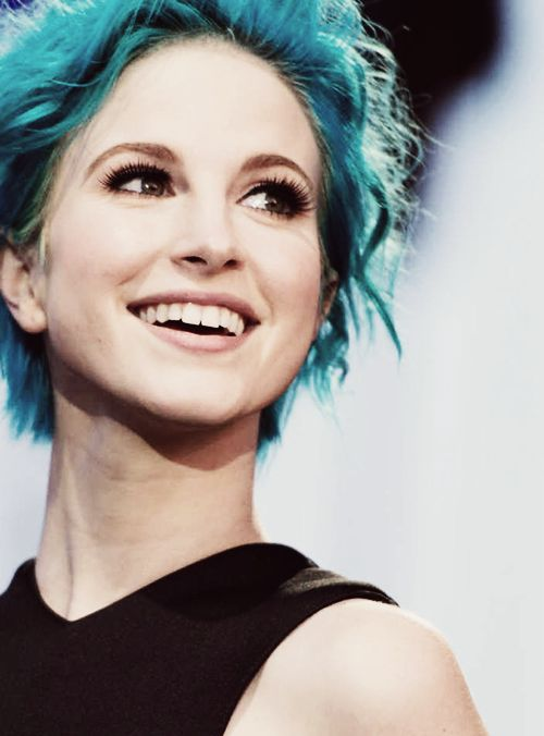 Hayley williams, Blue hair and Character inspiration on ...