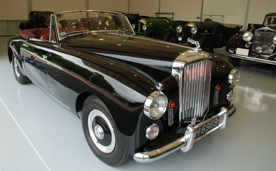 1953 Bentley R-Type D.H.C by Graber #B82SR angle1 | WAKUI MUSEUM