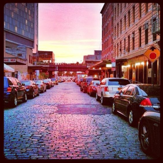 The #Meatpacking District #sunset in its colorful glory.