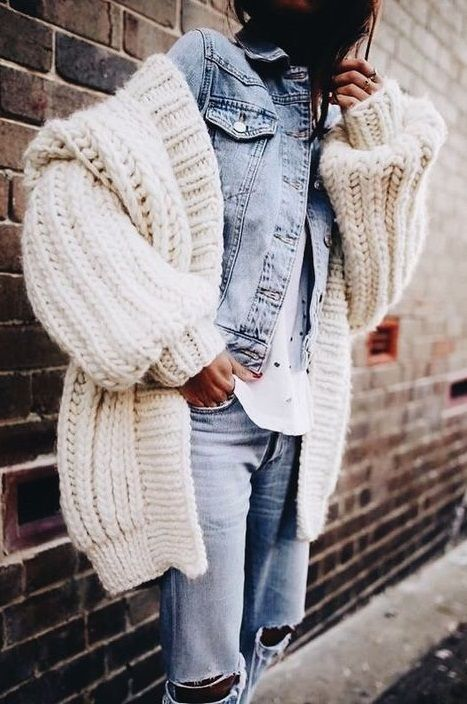 denim. chunky knit cardigan. fall street style.