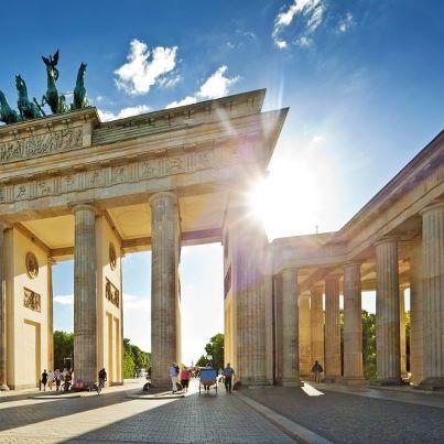 Berlin, Berlin, wir fahren nach Berlin. Entdecke die Hauptstadt mit Ihren vielen Möglichkeiten. http://www.reisehummel.de/kurzreise/suchen/Luxus_und_Stars_in_Berlin_(1N)/645.html