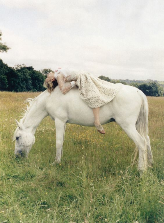 www.pegasebuzz.com   The Horse Fashion : Georgia May Jagger by Venetia Scott for Vogue UK, october 2013