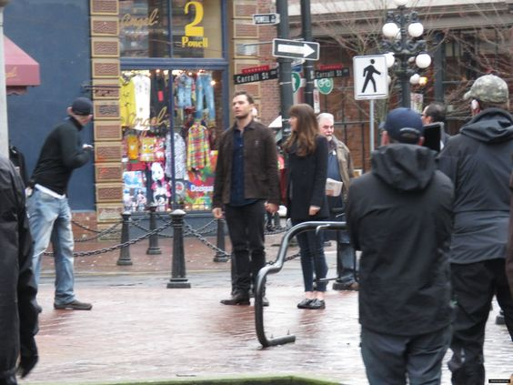 "Fifty Shades Darker on Twitter: ""+ 300 New Unseen HQ Pics of Jamie and Dakota on #FiftyShadesDarker Set in March!  https://t.co/3bSBNaPyTP https://t.co/aV2bx1oi35"""