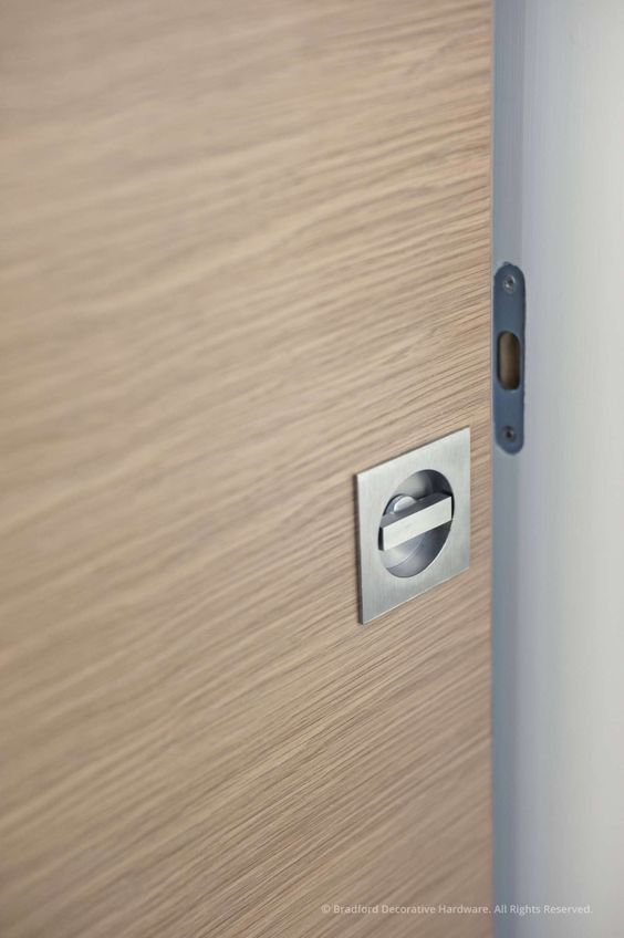 Columbo Pocket Door Lock  ID311LK http://www.orionhardware.com/details_colombo_doorlevers.php?manufacturer=colombo&family=1&group=1&product_category=pocketdoorpulls&product_name=ID311LK