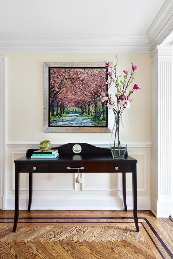 How To Choose The Right White Or Cream For Your Walls And Trim Foyer Decorating Dining Room Paint Traditional Foyer