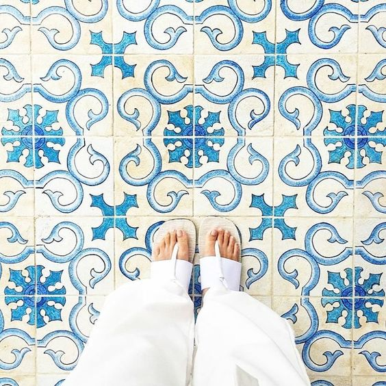 Today Amazing pic by @msbbanks // keep tagging #ihavethisthingwithtiles  _____________________________________________  #fwisfeed #feet #lookyfeet #lookyfeets #lookdown #selfeet #fwis #fromwhereyoustand #viewfromthetop #ihavethisthingwithfloors #viewfromthetopp #happyfeet #picoftheday #photooftheday #amazingfloorsandwanderingfeet #vsco #all_shots #lookingdown #fromwhereonestand #fromwherewestand #travellingfeet #fromwhereistand #tiles #tileaddiction #tilecrush #floor #vscocam #instatiles by…