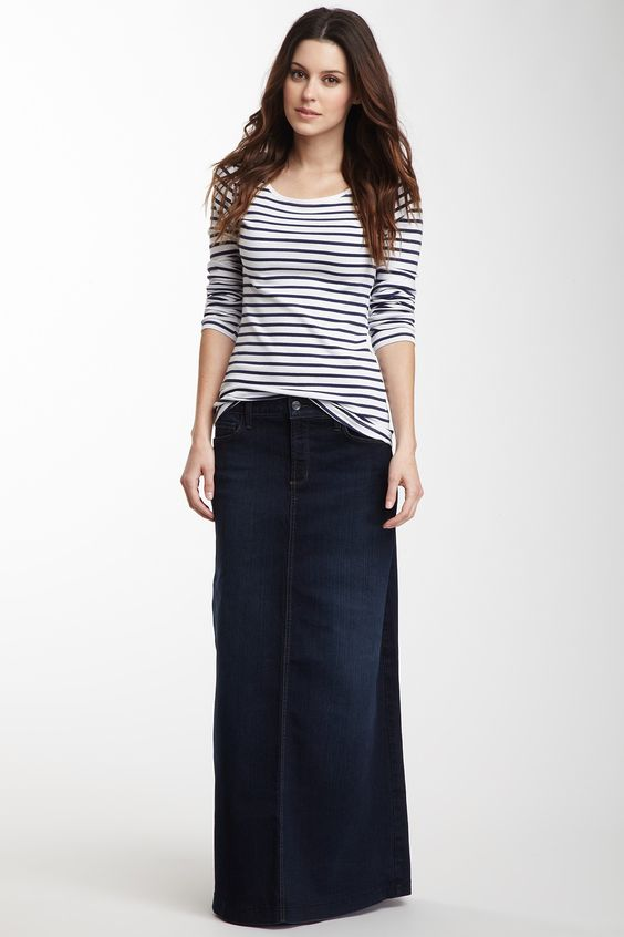 Casual soccer mom outfit for those of us who don't always have a good relationship with jeans. Casual striped Tee with long denim skirt.