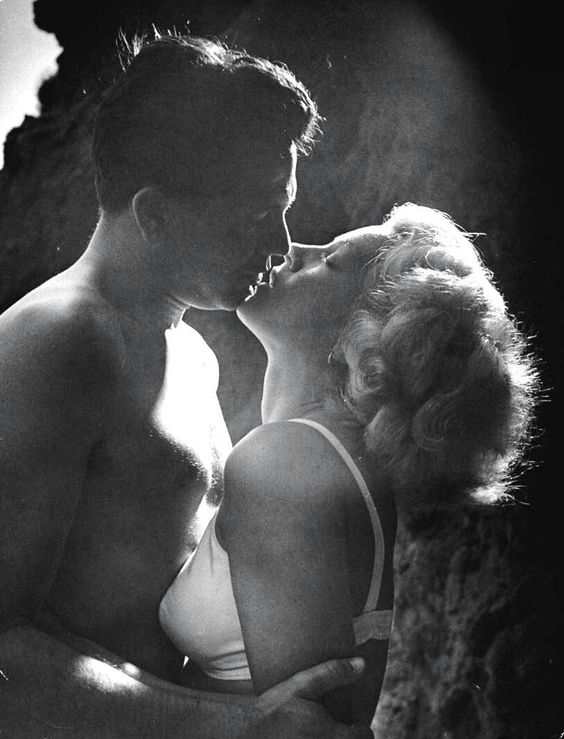 "Lana Turner and John Garfield 1947 ""The Postman Always Rings Twice"""