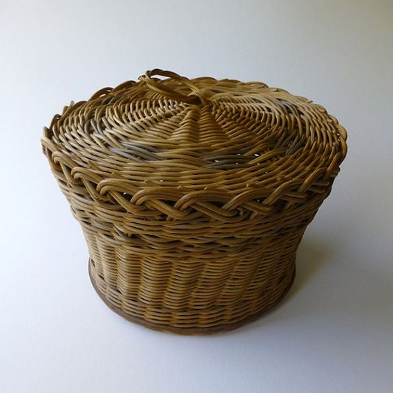 Handmade Sewing Basket : Handmade baskets and sewing on