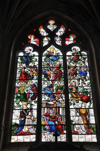 Autun - Cathédrale Saint-Lazare - Vitrail de l'Arbre de Jessé - stained glass window design Tree of Jesse