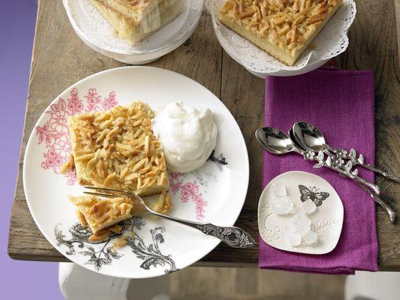 Testen Sie unser Kuchen-Rezept für den falschen Bienenstich. Er wird mit Mandeln gebacken und mit Sicherheit einen Ehrenplatz in Ihrer Rezepte-Sammlung erhalten.