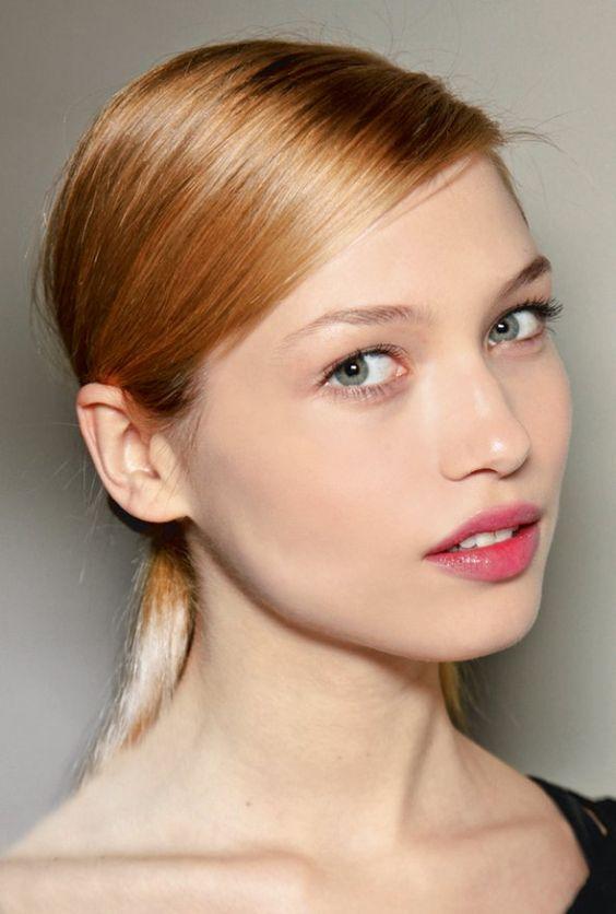 coloration les couleurs de cheveux tendance cette ann e coiffures coup et blond. Black Bedroom Furniture Sets. Home Design Ideas