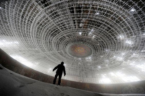 Casa del Partido Comunista B�lgaro | Los 33 Lugares Abandonados M�s Bellos Del Mundo.
