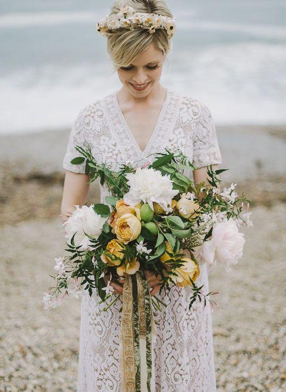 Bohemian beach bride.: Pink Flower, Bridal Bouquets, Wedding Bouquets, Beach Elopement, Wedding Flowers, Boho Bouquet Wedding, Bohemianwedding Beachwedding, Green Wedding