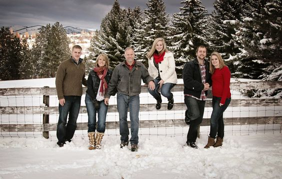 Ideas On What To Wear For Winter Family Photos