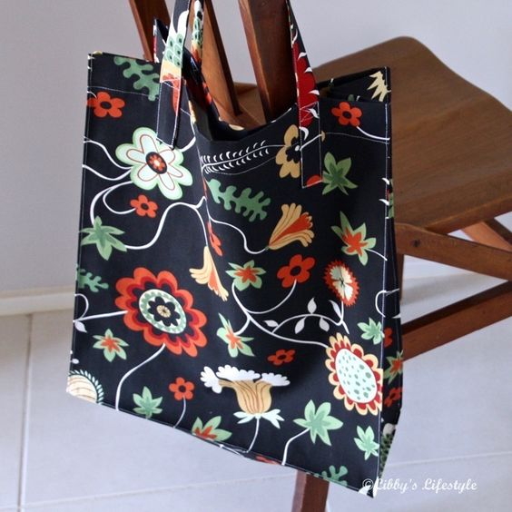 Yes, a tote bag, a good size tote bag with some volume to hold your shopping easily. And made in less than 45 minutes. Why wouldn't you wan...