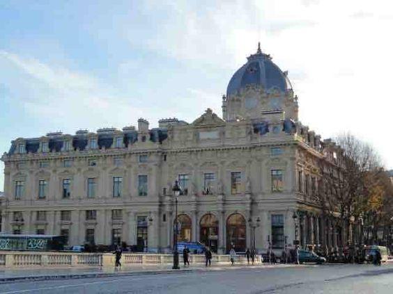 Le greffe du tribunal de commerce de Paris