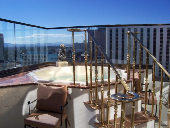 Golden Nugget S Suite Comes With A Balcony Hot Tub Las Vegas Hotel Rooms And Suites Pinterest Tubs