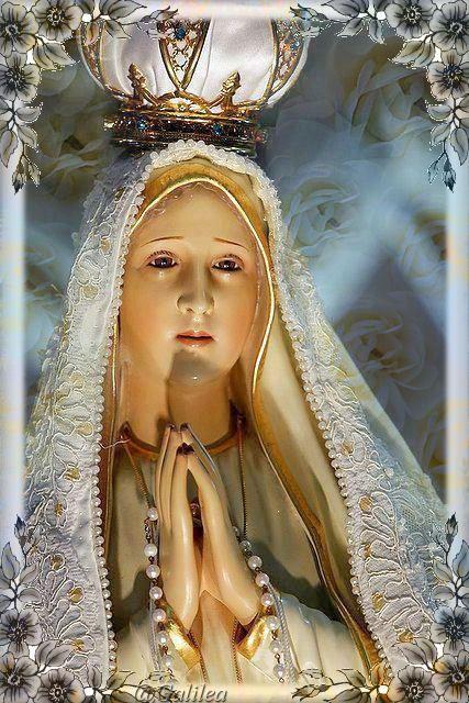 Santa María, Madre de Dios y Madre nuestra: Canción: Maria ven a caminar con el pueblo.