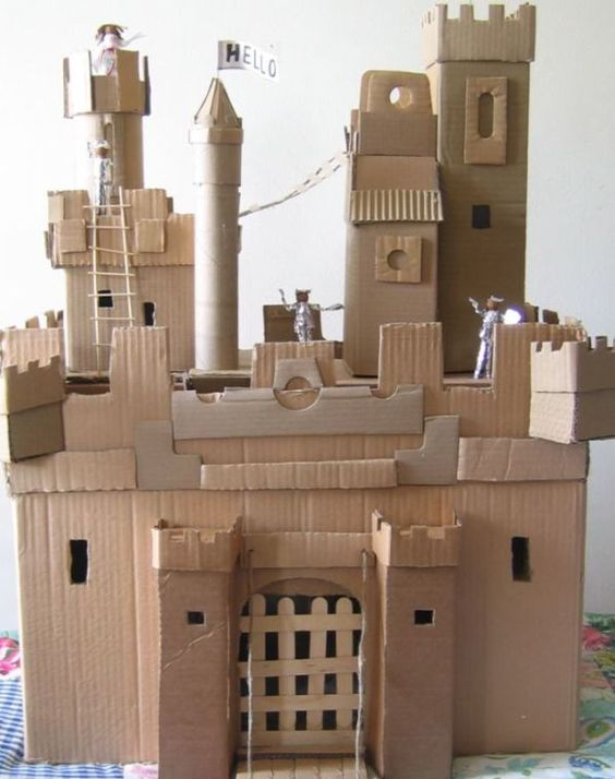 How to make a castle for your kids using recycled for Castle made out of cardboard